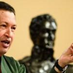 """""""Les falta un poquito de humildad"""", le dijo Chávez a los legisladores opositores. """"Vayan a lavarse ese paltó"""", remató el Jefe de Estado."""