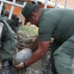Efectivos militares han tenido que retirar artefactos explosivos en zonas residenciales en Maracay.