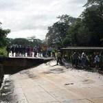 Restringen paso en la Morón-Coro por colapso de puente.