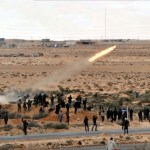 Los combates entre tropas de Gadafi e insurgentes se recrudecen en todos los frentes.
