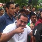 Roderick Navarro de la FCU–UCV, se reunió con los estudiantes afectados y convocaron a una rueda de prensa, para explicar las acciones a tomar.