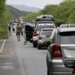 Muchos optaron por bajarse de los vehículos, esto es un verdadero desastre. No hay información, ni respeto a los usuarios.