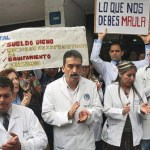 Gremios de médicos y profesores realizaron paros para exigir mejoras salariales.