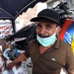 Mientras ocho ex trabajadores del Invialta, todos de la tercera edad, cumplían una huelga de hambre, el gobernador Rafael Isea realizaba una fiesta en el estacionamiento en honor al cumpleaños de Chávez.