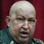 Chavez aparece en público desmejorado y mostrando los efectos de la quimioterapia.