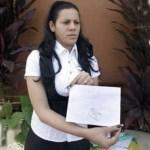 Yunaisy Garcia pide una visa a su pareja, quien está en Colombia clandestinamente.
