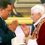 Benedicto XVI y Chávez se reunieron en el Vaticano el 11 de mayo de 2006.