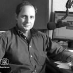 Elí Bravo es un periodista, locutor, presentador, escritor y productor.