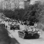 """""""La primavera de Praga"""",  entran los tanques soviéticos en la capital checa, aplastando a los reformistas de hacer un """"socialismo de rostro humano"""""""