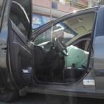 David Silva intentó buscar refugio, puesto que su cuerpo sin vida quedó dentro de su auto, marca Hyundai, modelo Gertz, color gris