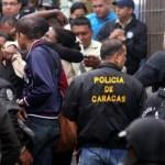 Las autoridades también son victimas unos 120 agentes han sido asesinados este año en Caracas. Familiares de funcionarios policiales exigen justicia por los crímenes.