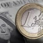 Dólar amplía ganancias vs euro. La moneda única alcanzo un record mínimo.