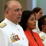 El Almirante de la Armada, Diego Alfredo Molero Bellavia  sustituye a Henry Rangel Silva en el cargo de Ministro de la Defensa.
