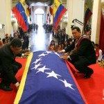 ¡Viva Bolívar! ¡Bolívar Vive! Elias Jaua y Chavez los profanadores de tumbas 4