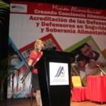 ministra Edmeé Betancourt