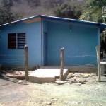 casita rural en el pueblo de Uchire