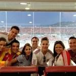 María Gabriela Chávez, el grande liga Magglio Ordoñez, Los Cadillac´s y un grupo de amigos disfrutando del juego Venezuela-Ecuador en la sala VIP del estadio Olímpico Antonio José de Anzoátegui en Puerto La Cruz, estado Anzoátegui.