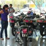 """""""Surtir una moto sencilla con combustible cuesta cerca de 1 bolívar y la inversión rinde por casi cuatro días"""", puntualizó el conocedor."""