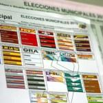 Detalle de una boleta electoral de cara a las elecciones de alcaldes y concejales en el país, en un punto informativo del Consejo Nacional Electoral (CNE).
