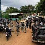 Efectivos del Cuerpo de Investigaciones Científicas, Penales y Criminalísticas (Cicpc) y del Servicio Bolivariano de Inteligencia Nacional (Sebin) han realizado 25 allanamientos para capturar al líder de una banda
