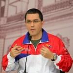 El vicepresidente de Venezuela, Jorge Arreaza, exigió que se vayan del país o cambien de actividad a los comerciantes que supuestamente mantienen prácticas de usura un mes después de que el Gobierno inició una férrea inspección oficial y ha obligado a rebajas de precios.
