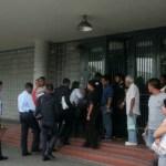 El Cicpc inspeccionó el quirófano del piso 6 del Hospital Clínico Universitario, dónde ocurrió el tiroteo.