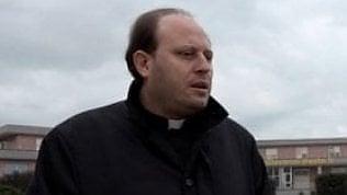 Violenza sessuale durantei riti di esorcismo: arrestato sacerdote nel Casertano