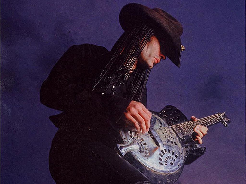 The Black Pearl Wallpaper Press Guitarre Amp Basse Germany Eric Sardinas