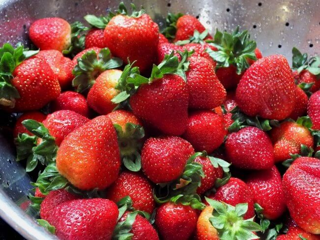 strawberries for strawberry and cream tart