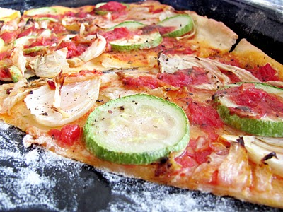 Reteta video: Pizza vegetariana – de post