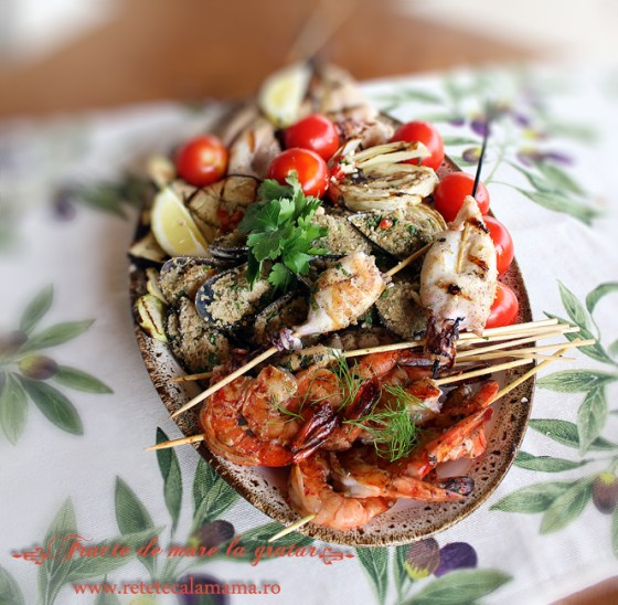 creveti, calamari si midii la grill, reteta fructe de mare