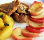 bibilica cu mere pe farfurie