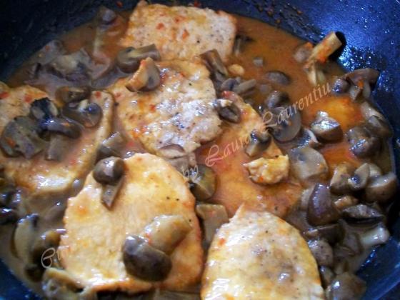 escalop de porc cu ciuperci 6