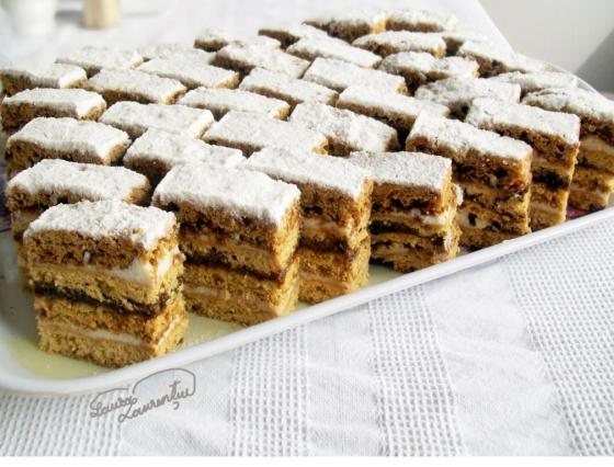 prajitura cu miere de albine 024
