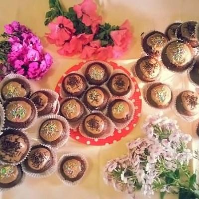 Brioșe cu dulceață de vișine