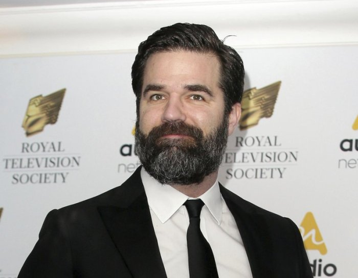 rob delaney joining cast of home alone reboot