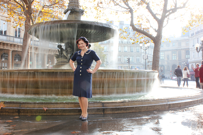 1940s Dress Paris Fountain Autumn