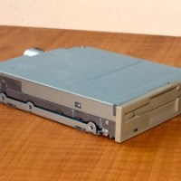 Amiga Tutorial: Sostituire il floppy dell'Amiga con un floppy PC