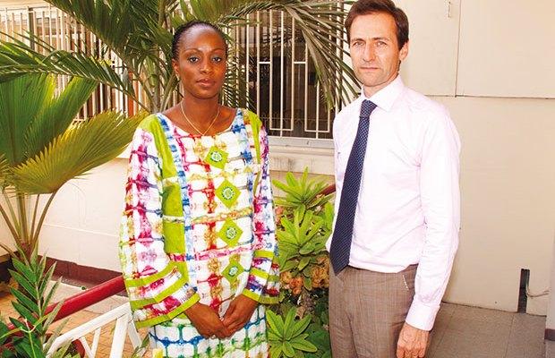 Yann de Nanteuil, Administrateur Directeur Général de la SGBS et Mme Nafissatou Thiaw Mbacké, Directeur Clientèle Particuliers et Professionnels