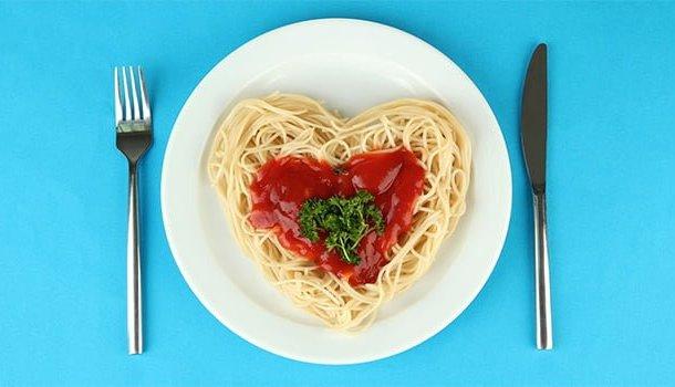 Não existe amor mais sincero do que aquele pela comida!