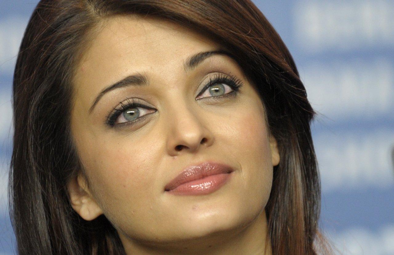 Afghan Girl Eyes Wallpaper Aishwarya Rai Wallpapers 26775 Best Aishwarya Rai Pictures