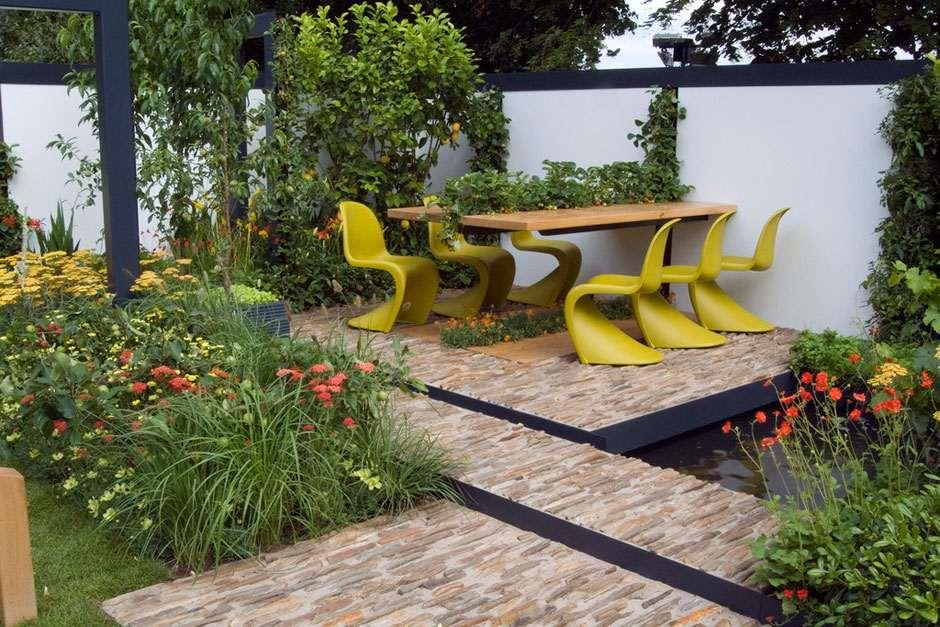 Rhs tips on styling your contemporary garden rhs gardening