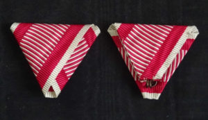 #AU052 - Austrian War ribbon type 3. (wider red stripes)