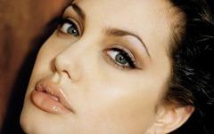 Angelina Jolie richest actress