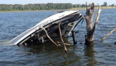 When you wreck it, try to avoid putting your boat in a position that makes more work for the cleanup crew.