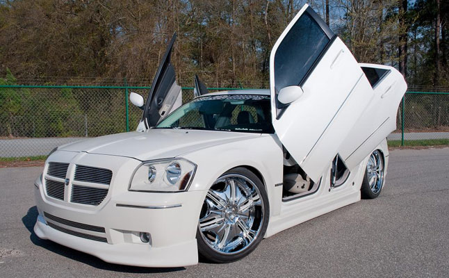 rides cars dodge magnum white