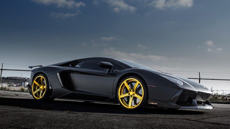 matte-black-lamborghini-aventador-savini-forgred-wheels-sv59d-high-polish-gold-6