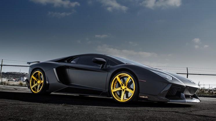 matte-black-lamborghini-aventador-savini-forgred-wheels-sv59d-high-polish-gold-6