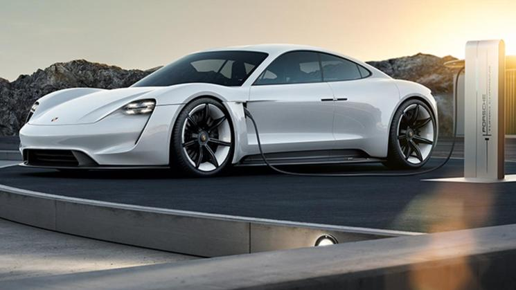 low_mission_e_2015_porsche_ag