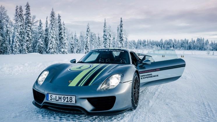 high_918_spyder_porsche_driving_experience_winter_levi_finland_2016_porsche_ag